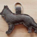 Schlüsselanhänger: Schäferhund, Leder, Maß: ca.12 cm x 9 cm, 15 €